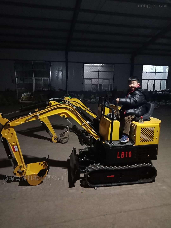 挖掘机挖沟推土水渠农用建筑工程多功能履带