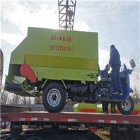 全自动牛羊电动撒料车大容量饲料运送投放车