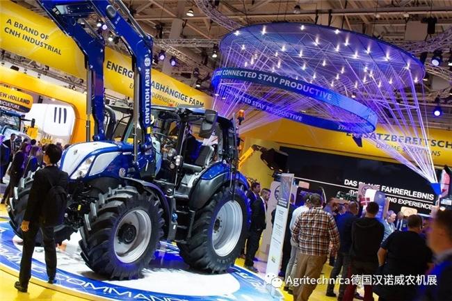 跟着一个外国人,用中文带着你看汉诺威农机展!